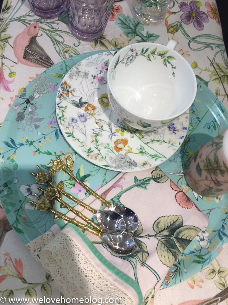 Key to this trend is to embrace every type of floral you have ever seen and then work them all together - from ceramics, to linens to cushions to candles to straoge jars to these cute spoons....I could go on and on.