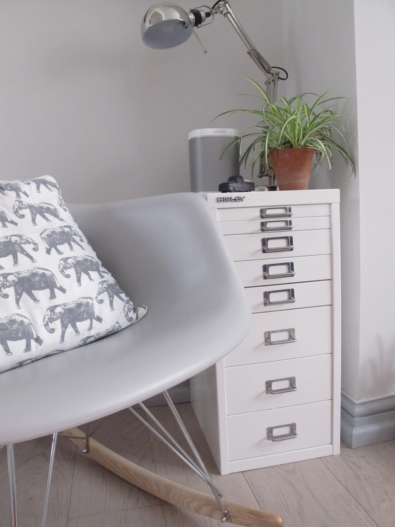 The perfect solution for your paperwork woes, and a way to stylishly organise your home with an iconic Bisley filing cabinet. www.welovehomeblog.com
