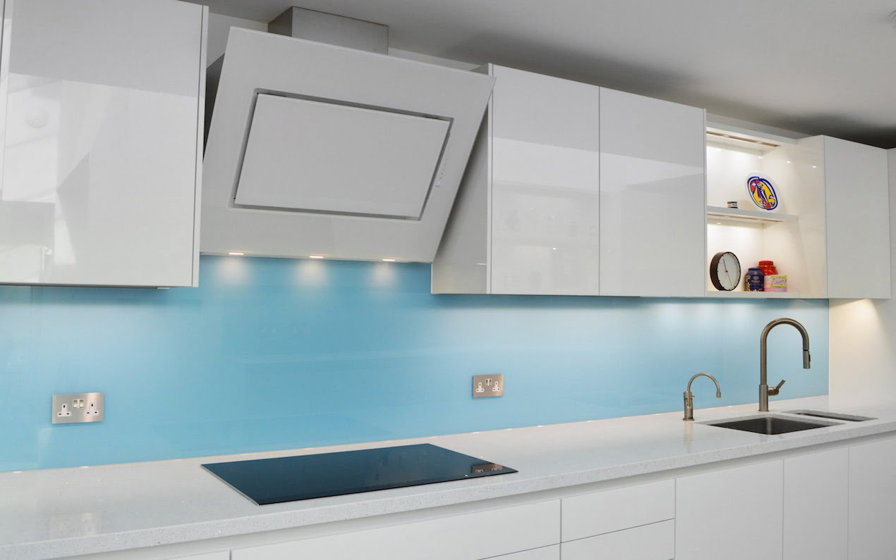 the kitchen splashback is the statement piece in your room - especially when sporting a new choice of luxe material - glass. Here's my pick of my top 5 kitchen glass splashback ideas that will turn heads. www.welovehomeblog.com