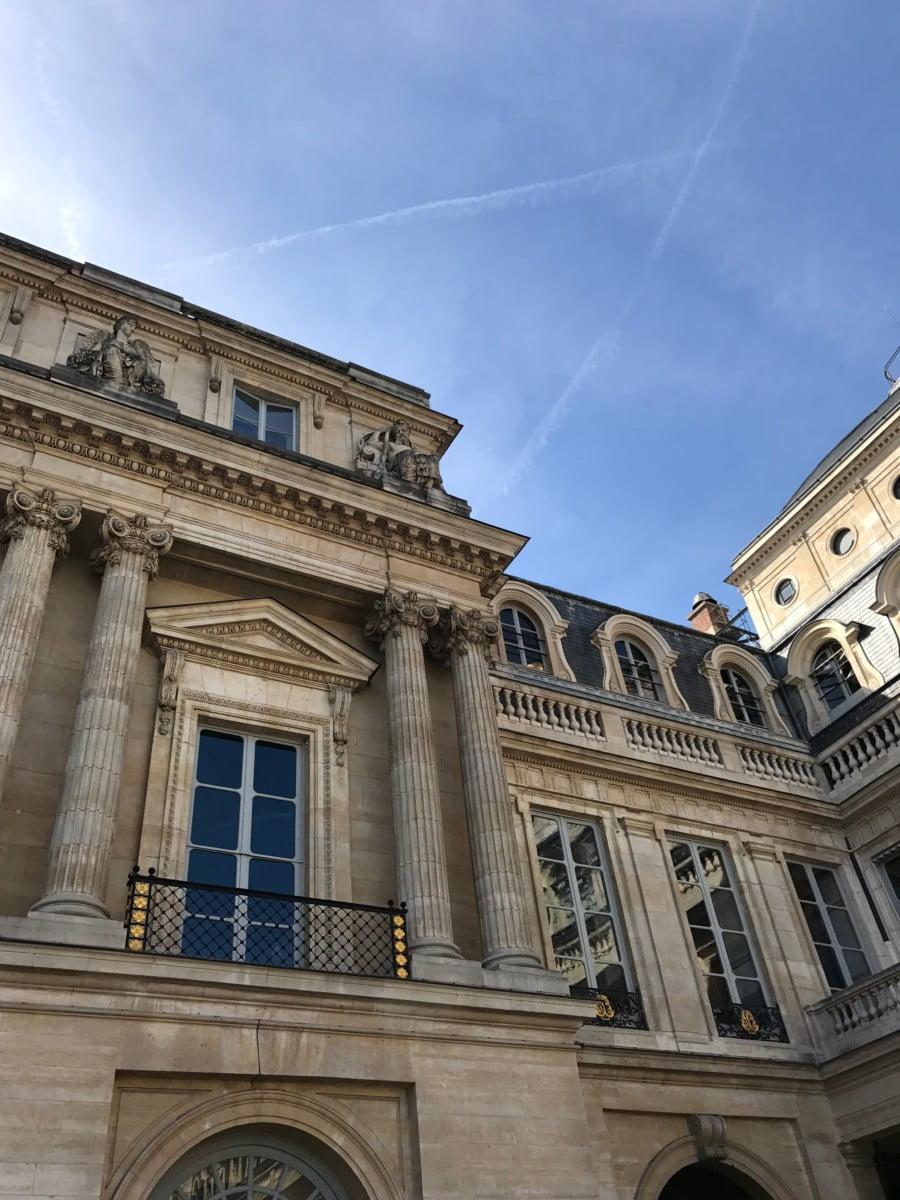 Amazing architecture in Paris
