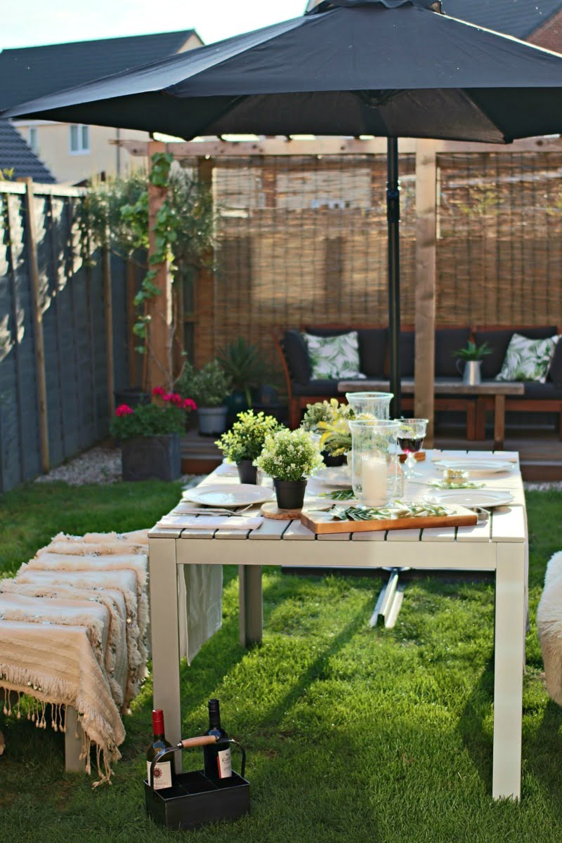 Steal 100s ideas from these 6 amazing garden design ideas to help transform your garden this summer by Interior Stylist and WeLoveHome blogger Maxine Brady Image by Dear Designer