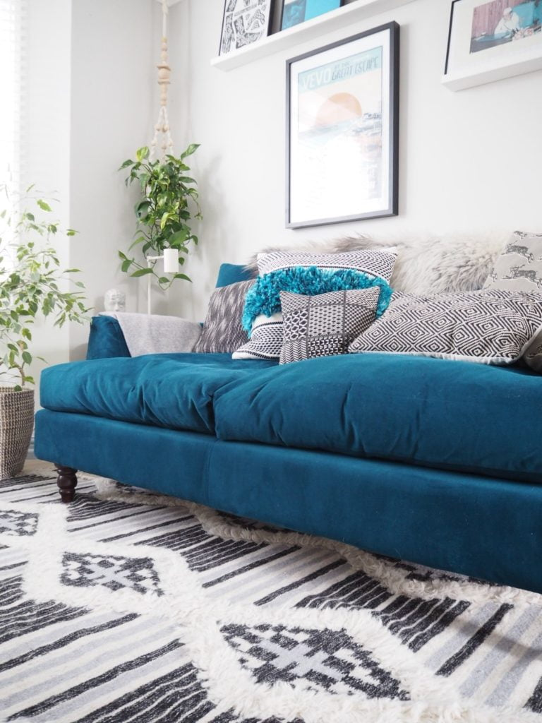 In this post you'll discover how I became an interior stylist AND discover step-by-step how you can become one too.