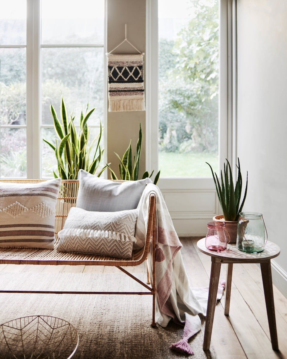 My blog started out as a hobby but after three years it has now become a part of my career and income. If you are looking to start an interior or lifestyle blog, or if you are a looking to improve your current blog, then this is the post for you. Stylist and Blogger Maxine Brady www.maxinebrady.com