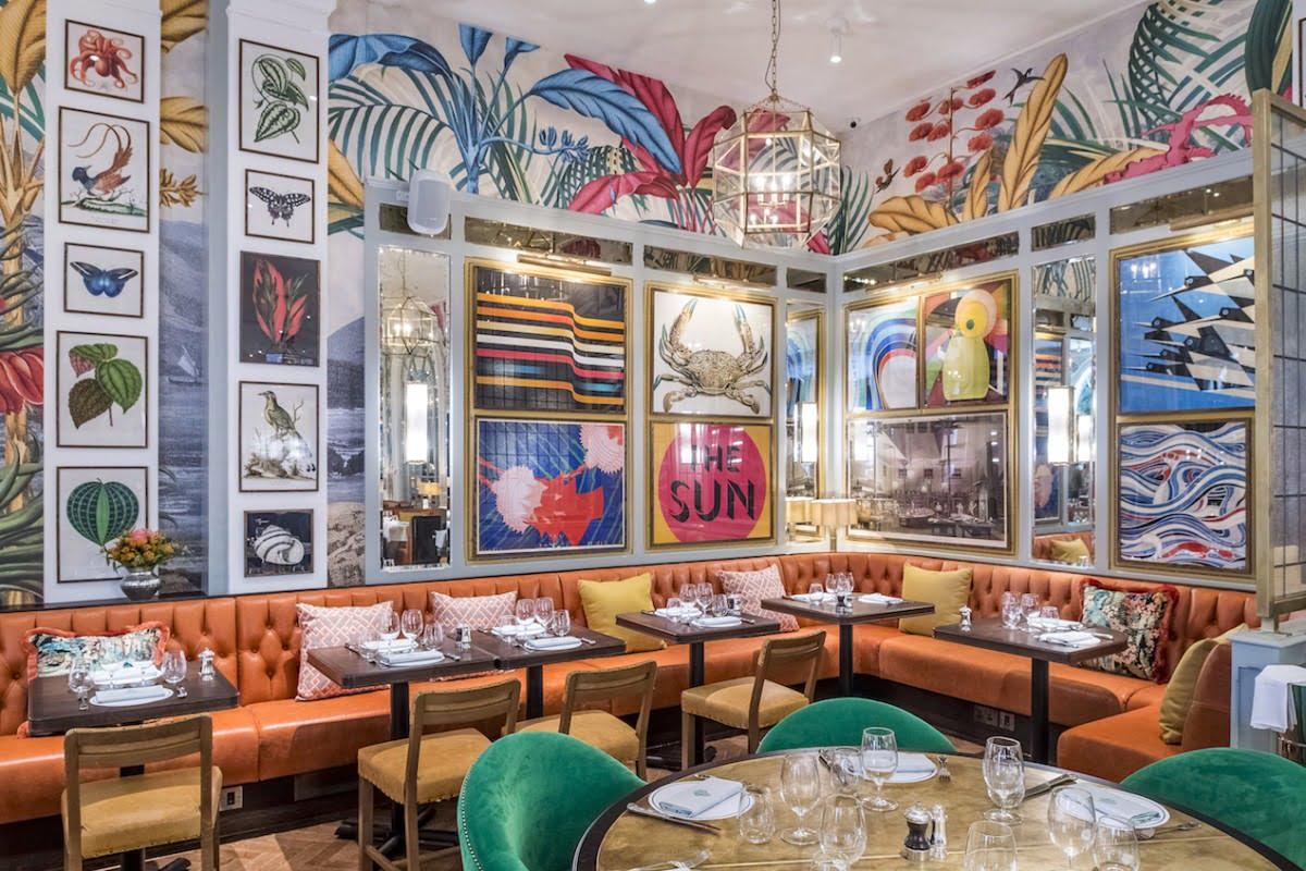 The interior's of restaurants can be so ground breaking with their design. That is why I was so excited to be invited to the latest restaurant opening in Brighton - The Ivy In The Laines. Brighton Restaurant Review - The Ivy In The Laines by Interior Stylist and lifestyle blogger, Maxine Brady at www.welovehomebog.com