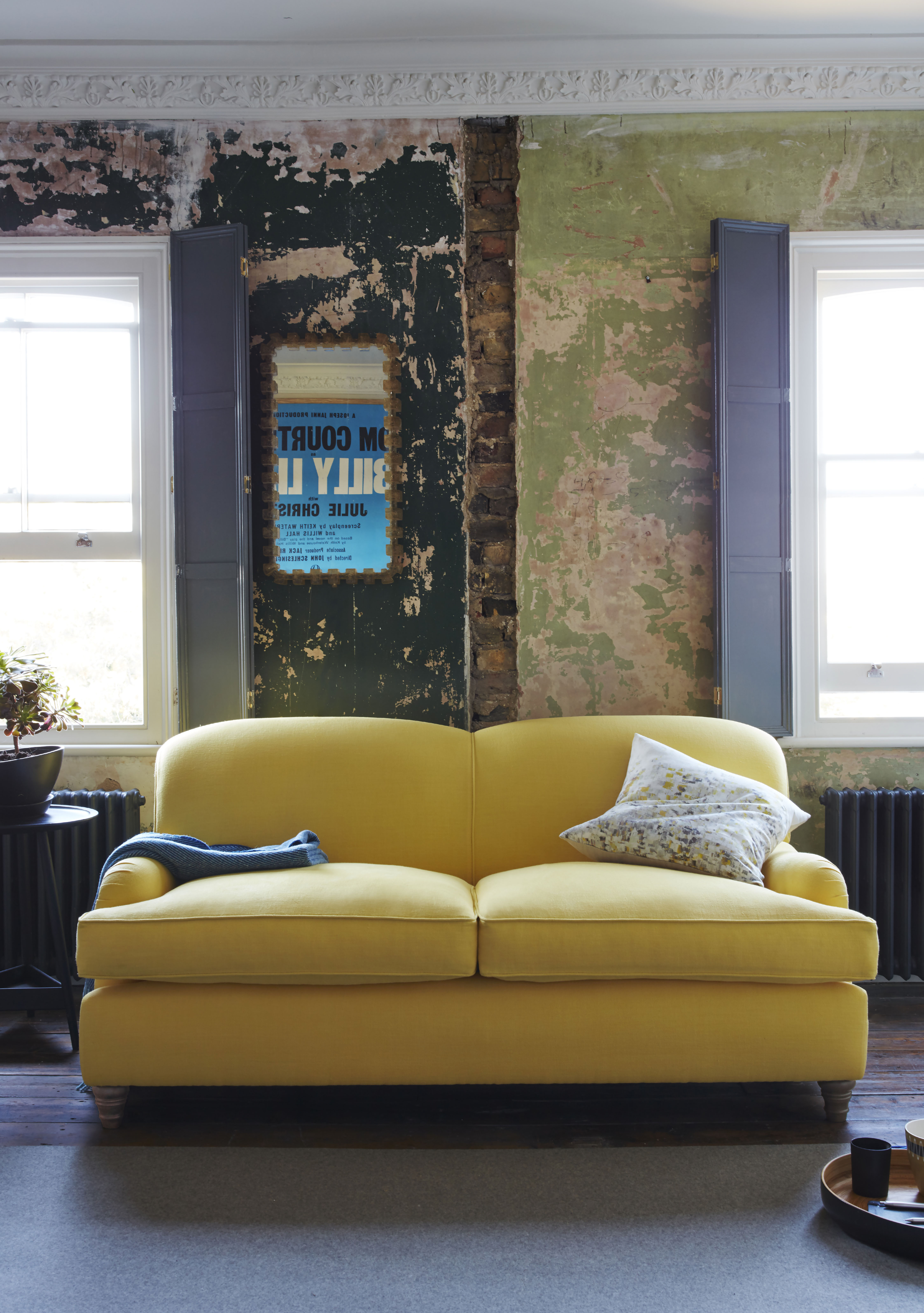 today I want to so you the latest looks that your walls will love - distressed plaster walls. Move over exposed brick walls - now interior lovers are getting light headed over the authentic patina found in plasterwork.
