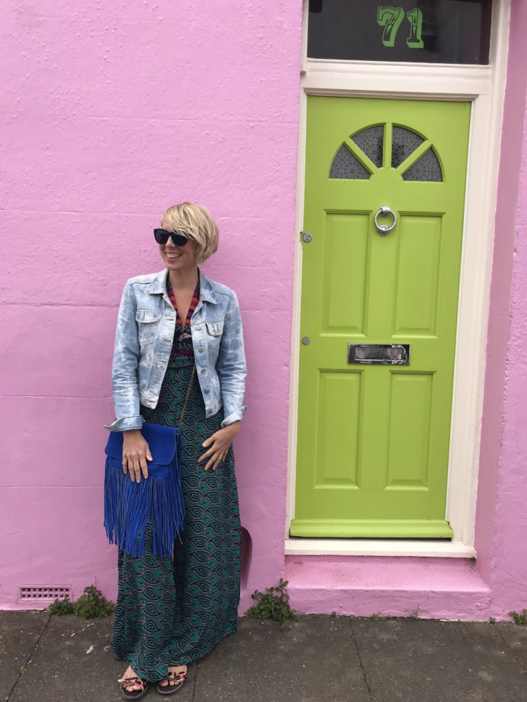 Here are my top 10 expert tips on how to really startbuying vintage clothing by lifestyle blogger Maxine Brady