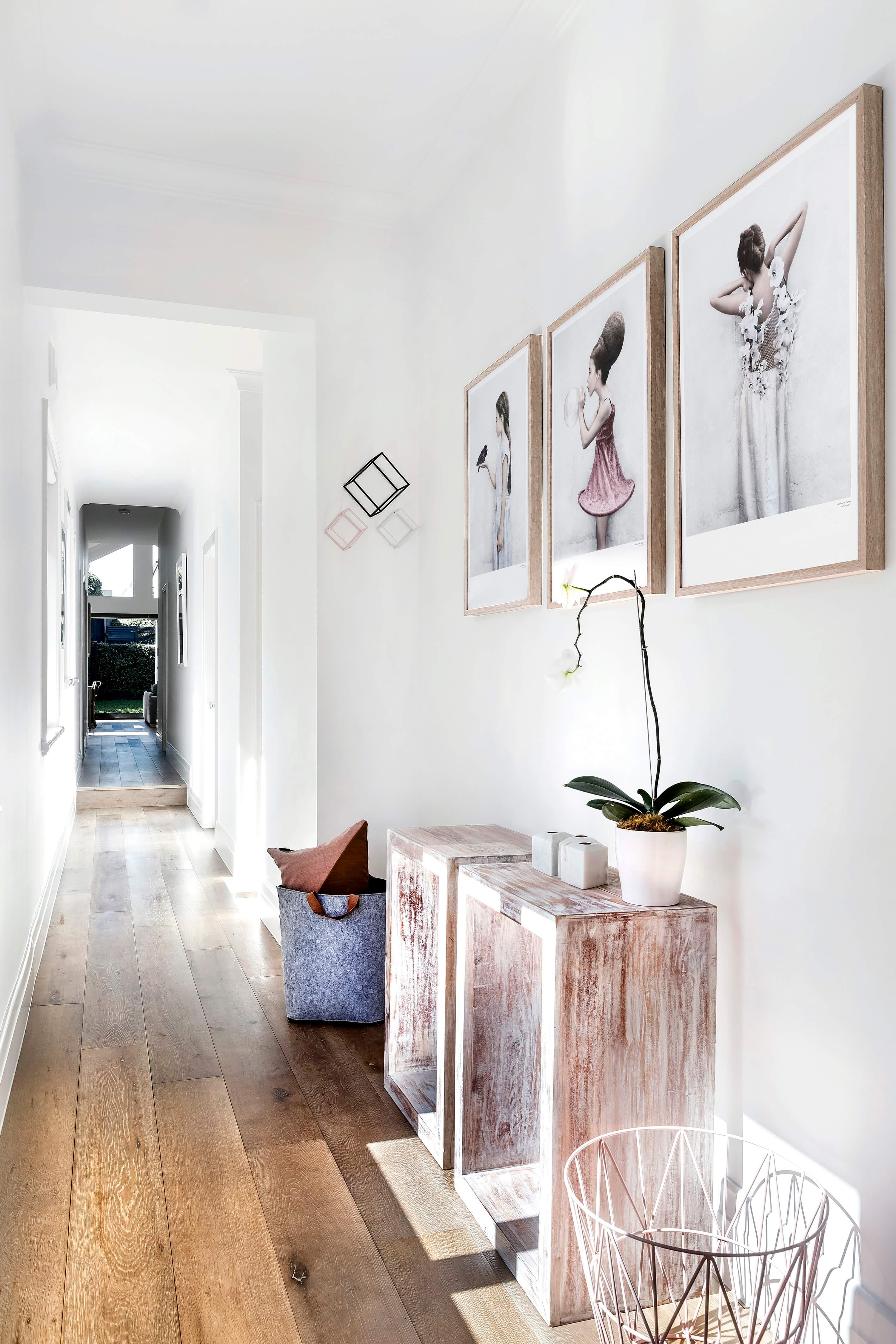 21 style ideas for your long, narrow hallway - WeLoveHome
