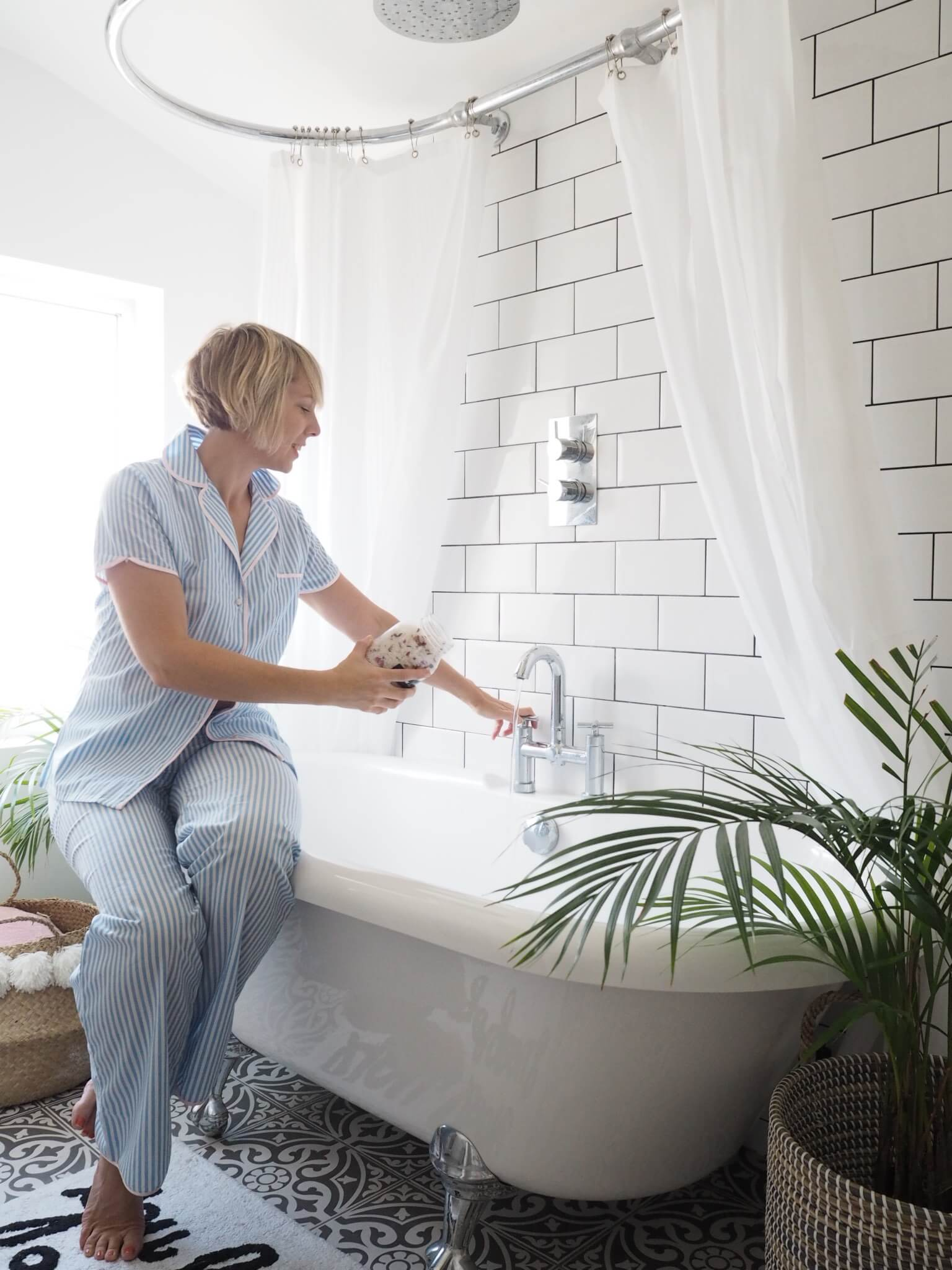 Swell Styling Ideas For Your Bathroom Welovehome Interior Design Ideas Jittwwsoteloinfo