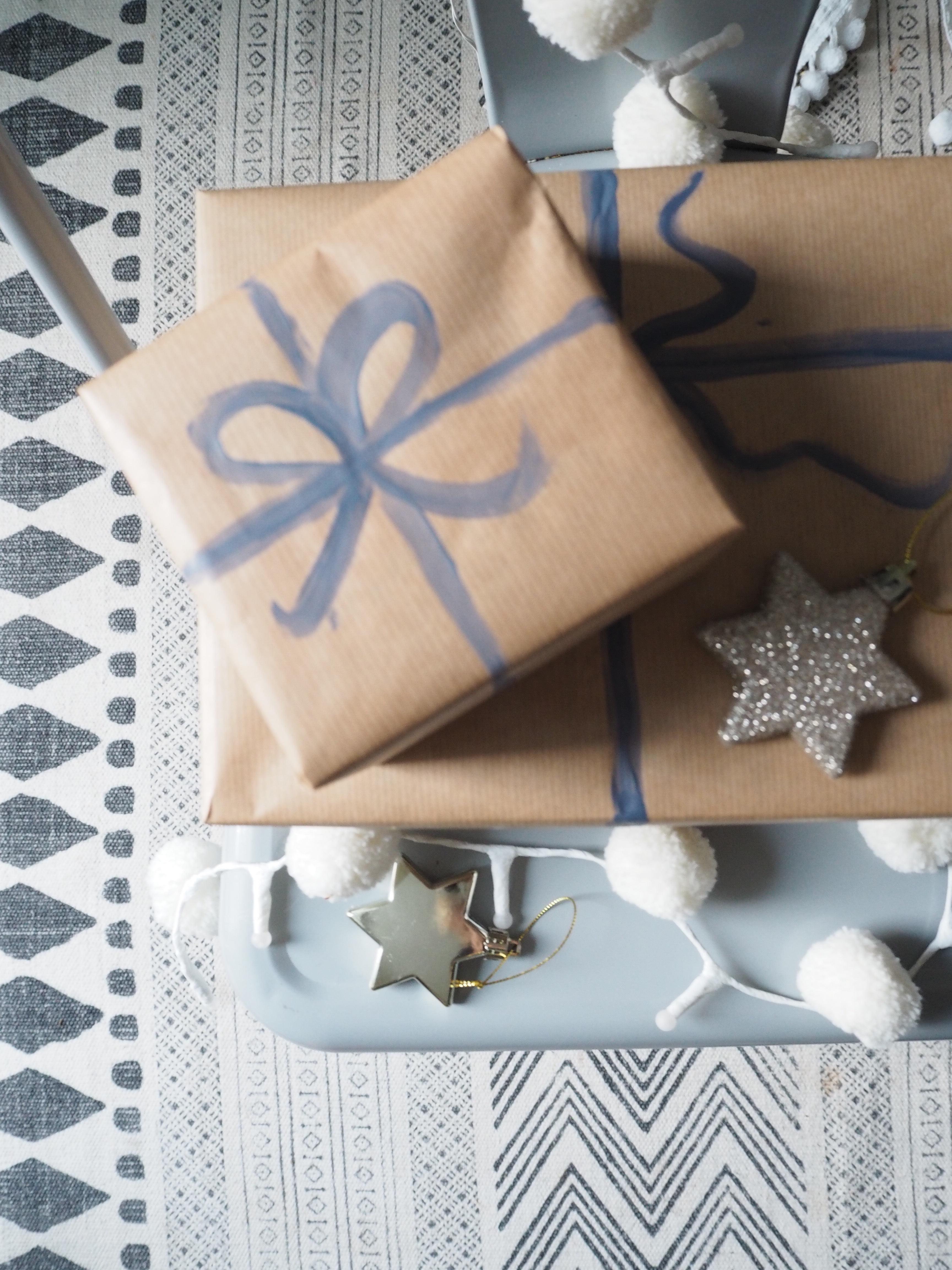 Why not try this easy DIY Christmas gift wrapping idea by Interior Stylist Maxine Brady from lifestyle blog www.welovehomeblog.com