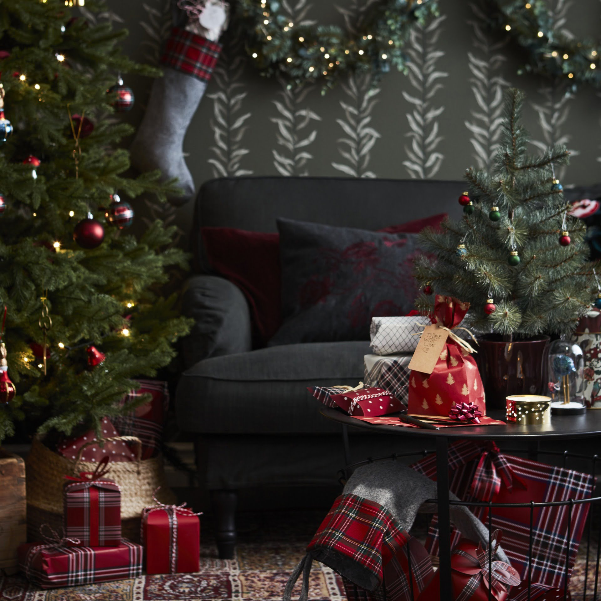 Four handy tips to help you have a hassle free Christmas this year by Interior Stylist Maxine Brady at www.welovehomeblog.com