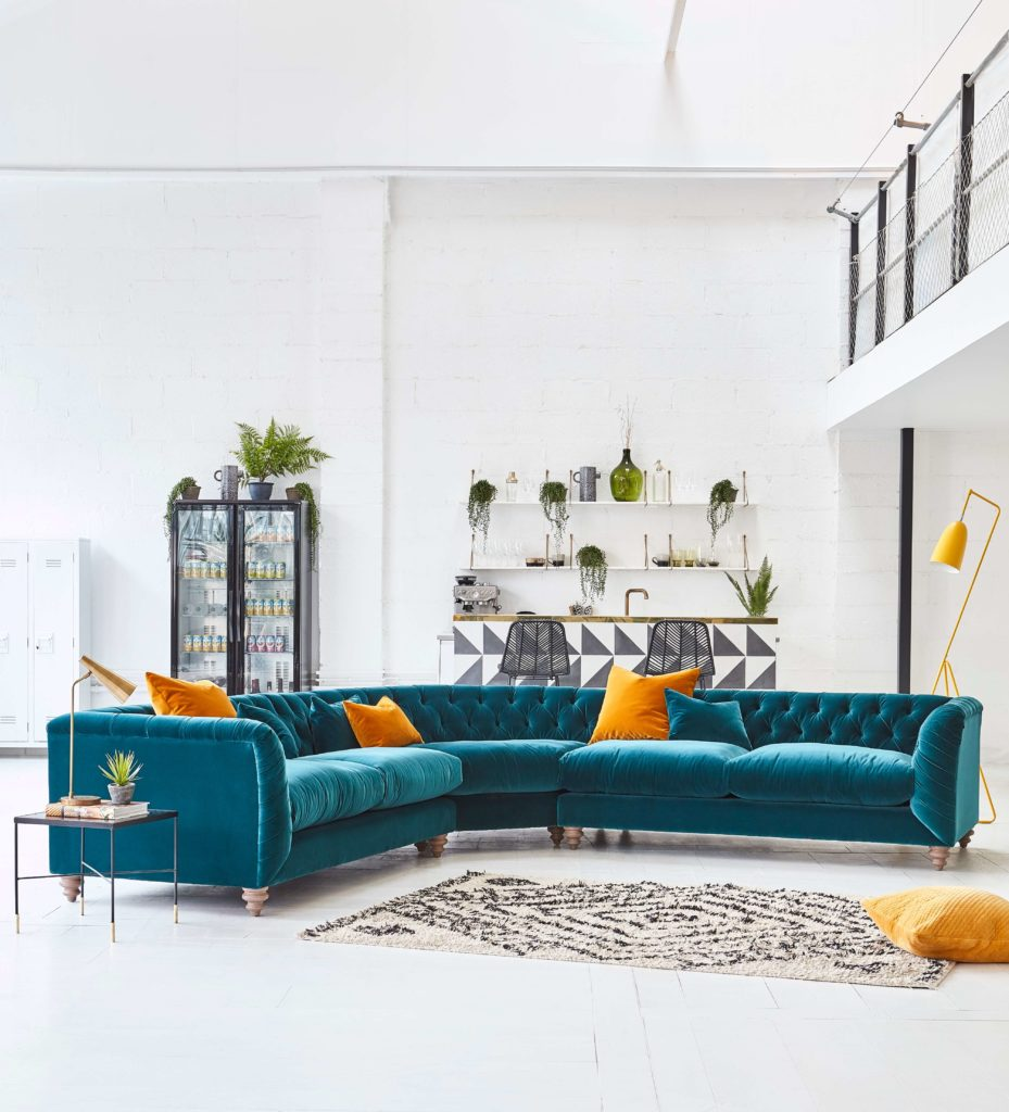 Discover these top 5 buyer's tips for buying a corner sofa by interior stylist and lifestyle blogger Maxine Brady from We Love Home Blog. Teal velvet chesterfield