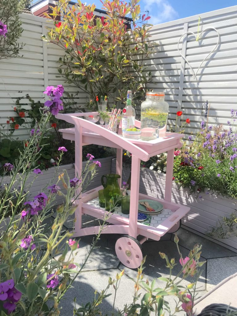 Today, I've gathered 5 great ideas for styling an outdoor bar cart this Summer says interior stylist Maxine Brady from We Love Home Blog