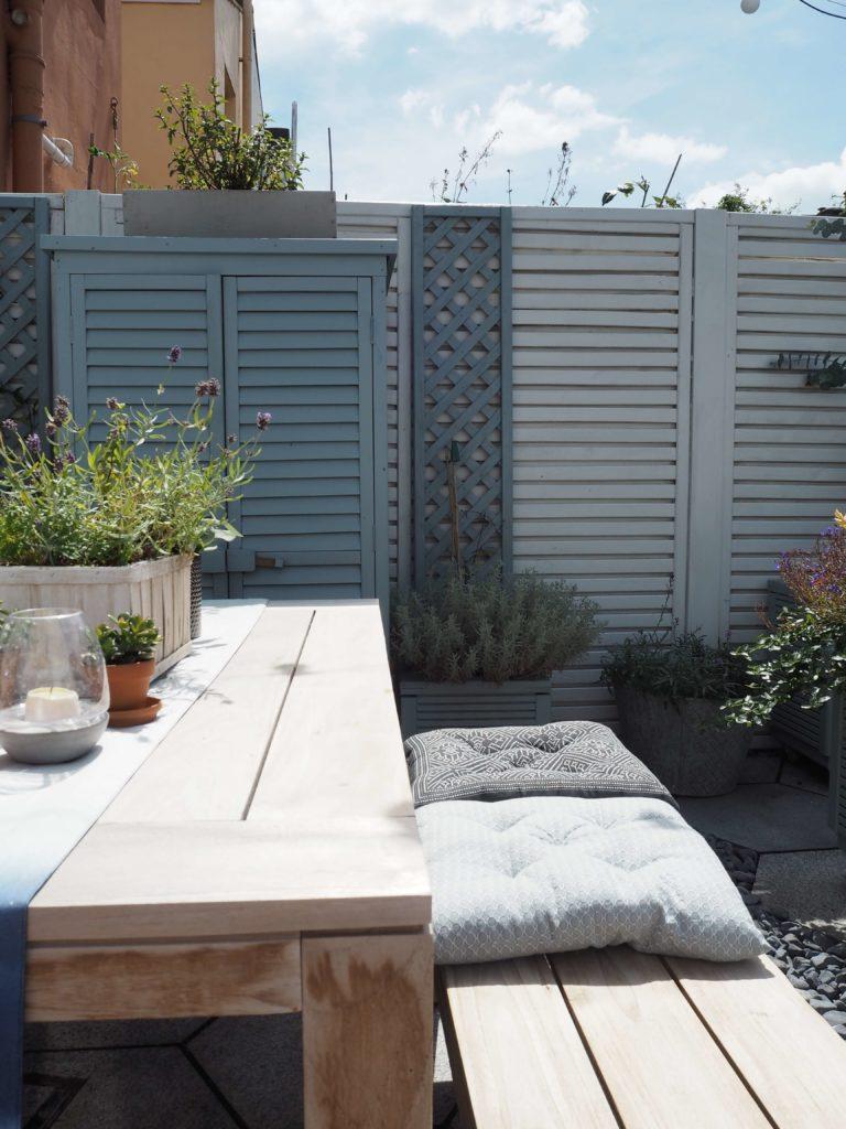 garden table, painted garden furniture, english garden. modern fencing, dining table