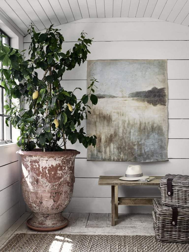 If you a budding interior stylist or just love home decor this is the post for you - follow these 6 tips for getting into interior styling by Maxine Brady