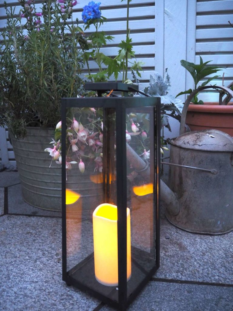 outdoor lantern solar powered