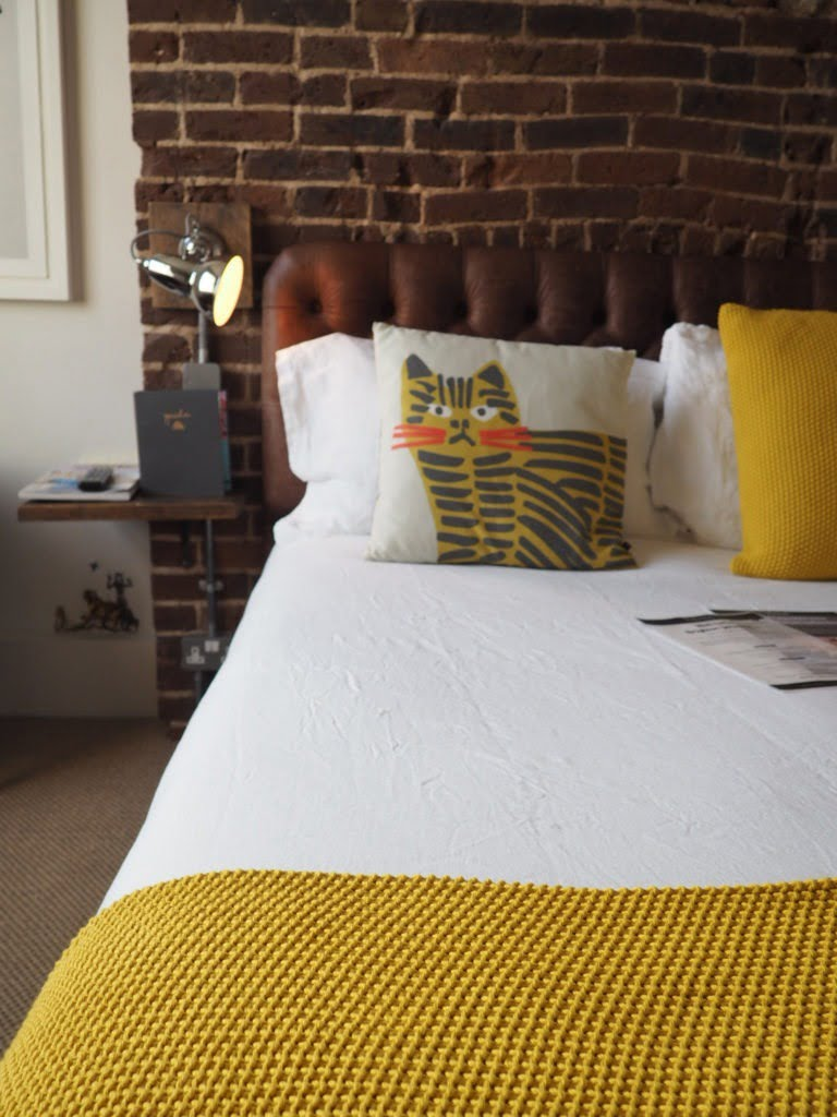 5 tips for the best nights' sleep with these wellbeing tips from lifestyle blogger Maxine Brady with Habitat at Brighton Artis
