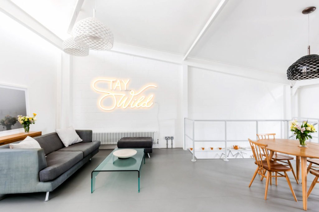 If you're looking to  give your home an edge, then check out these 10 neon signs which are glowing pieces of art. Click for my 10% discount discount code at neon store Yellowpop!
